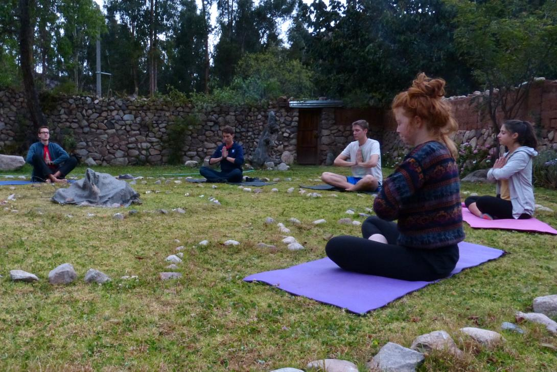 Volunteers in Peru do Yoga and meditation to boost mental wellbeing